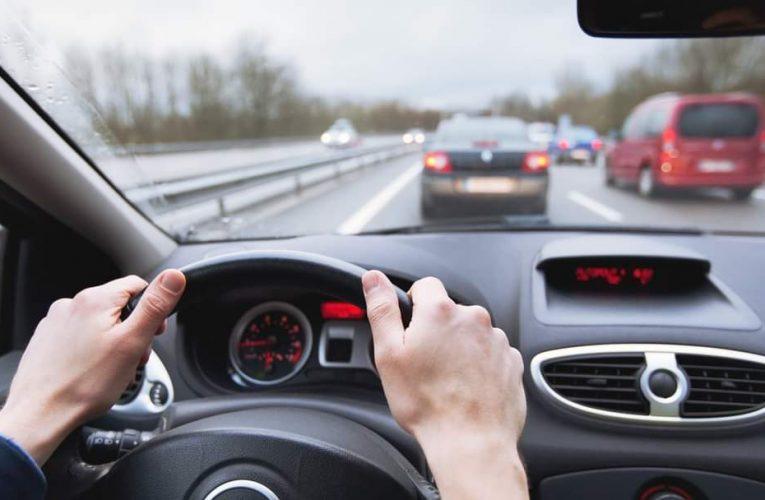 Követési távolság meg nem tartásakor ugorhat a jogsi?