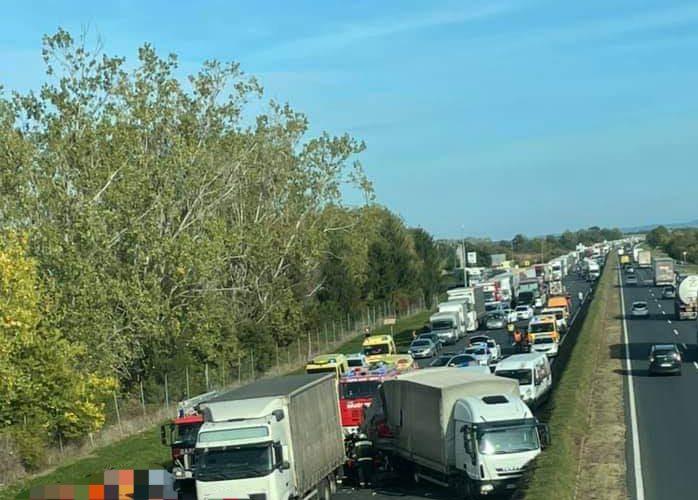 Súlyos baleset történt az M1-es autópályán